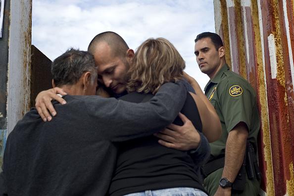 El Centro de Información y Asistencia a Mexicanos es el primer contacto entre el gobierno mexicano y los connacionales que viven en el país vecino del norte (Getty Images, archivo)
