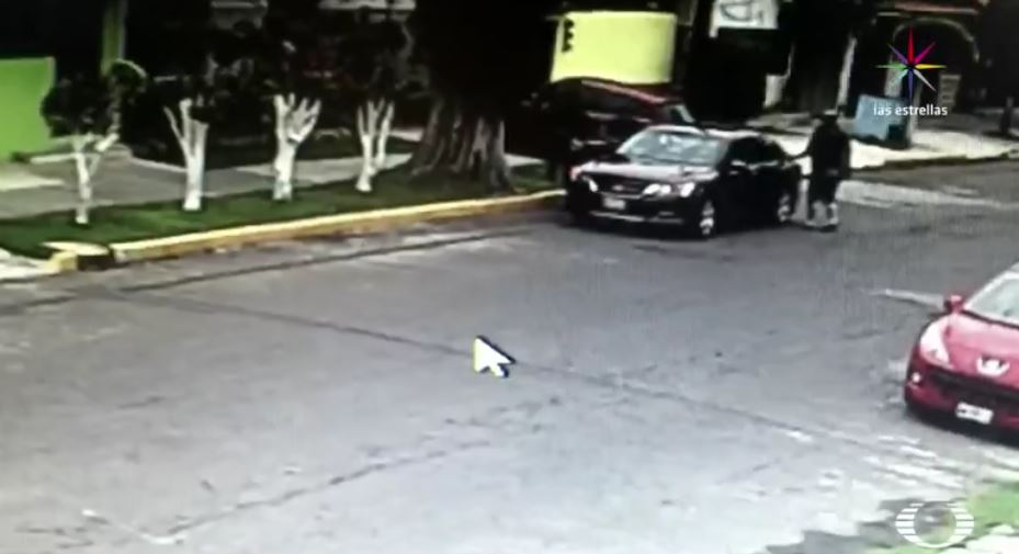 Robo de auto en Tlalnepantla, Edomex (Noticieros Televisa)