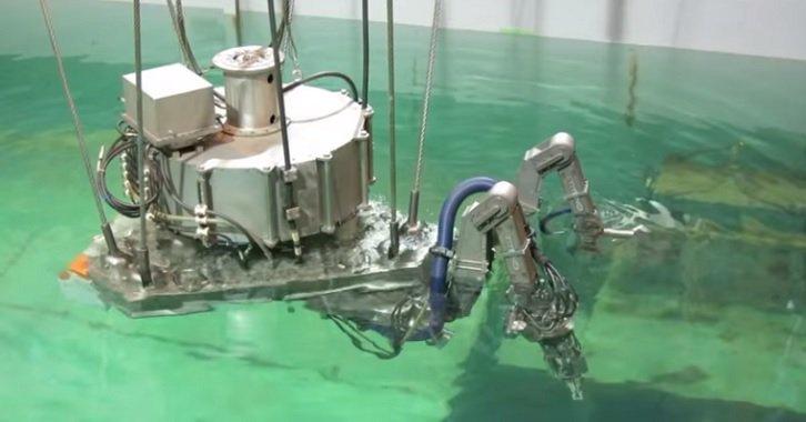 Robots desmantelan central de Fukushima.