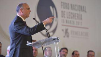 """Al inaugurar el """"Foro Nacional de Lechería"""" detalló que el 30% de los productos lácteos que se consumen en México provienen de Estados Unidos (Twitter/@SAGARPA_mx)"""