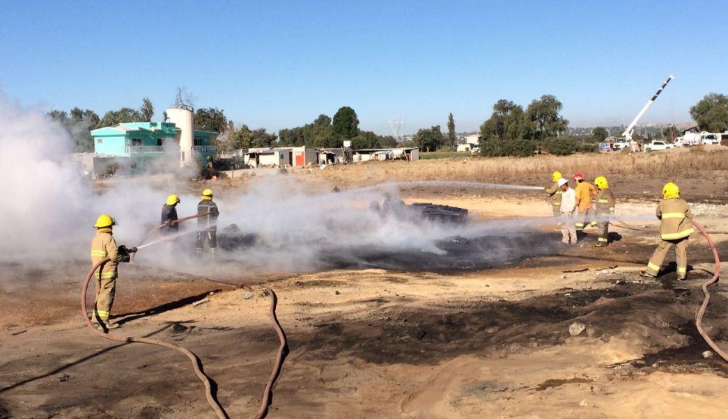 Sofocan incendio en ducto de Pemex en Acatzingo, Puebla (Noticieros Televisa)
