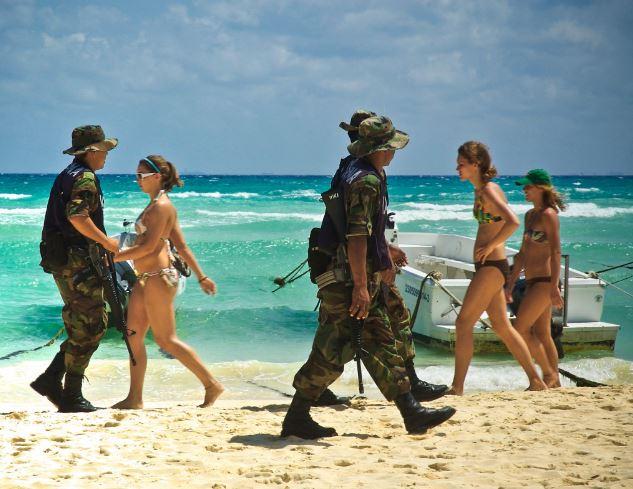 Implementan operativo de seguridad ante llegada de spring breakers en Cancún, Quintana Roo