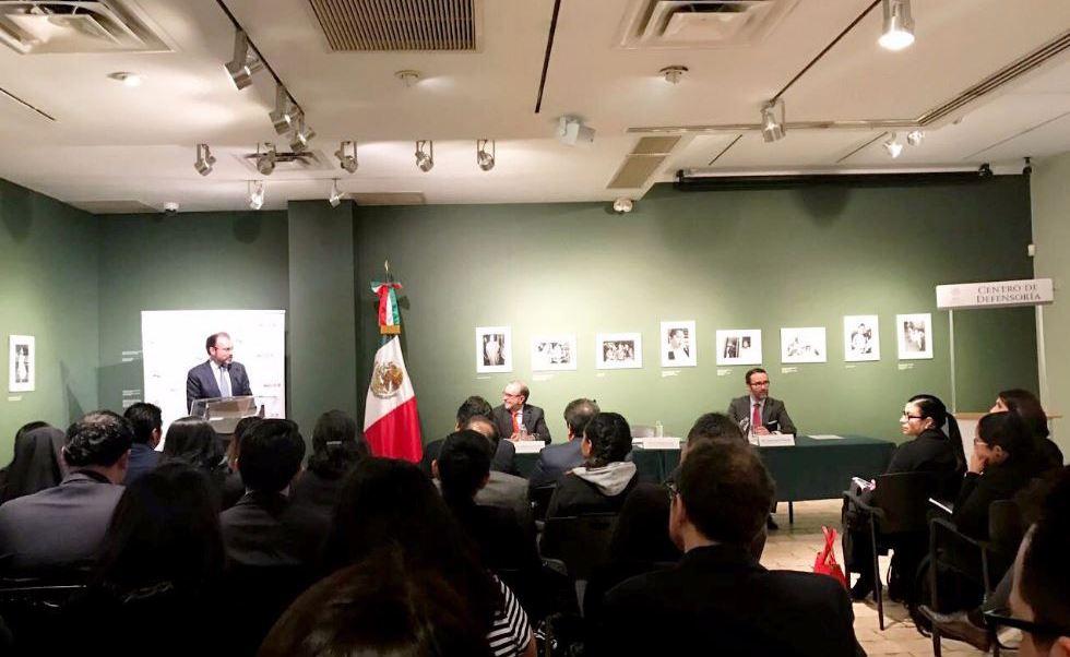 México abre centros de defensa de inmigrantes en Estados Unidos