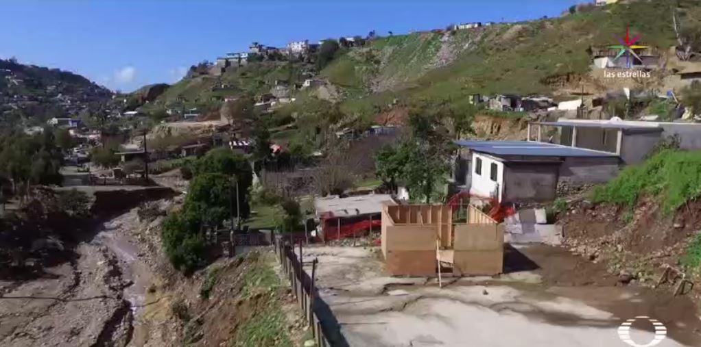 A más de 4 mil 500 kilómetros de Puerto Príncipe se construye la pequeña Haití, una zona montañosa apartada de Tijuana. (Noticieros Televisa)