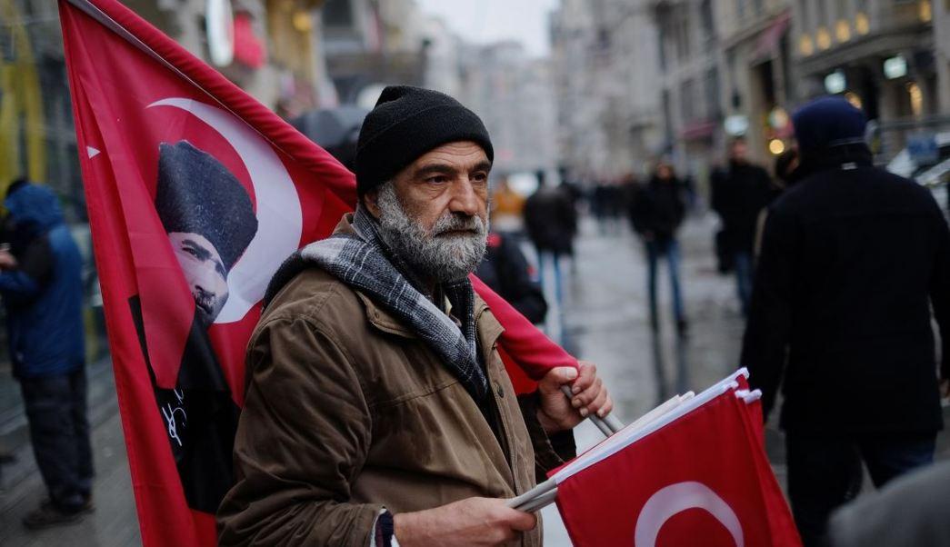 """La UE pidió ayer a Turquía que evite las """"declaraciones excesivas y acciones"""" que puedan """"agravar la situación"""". (AP)"""