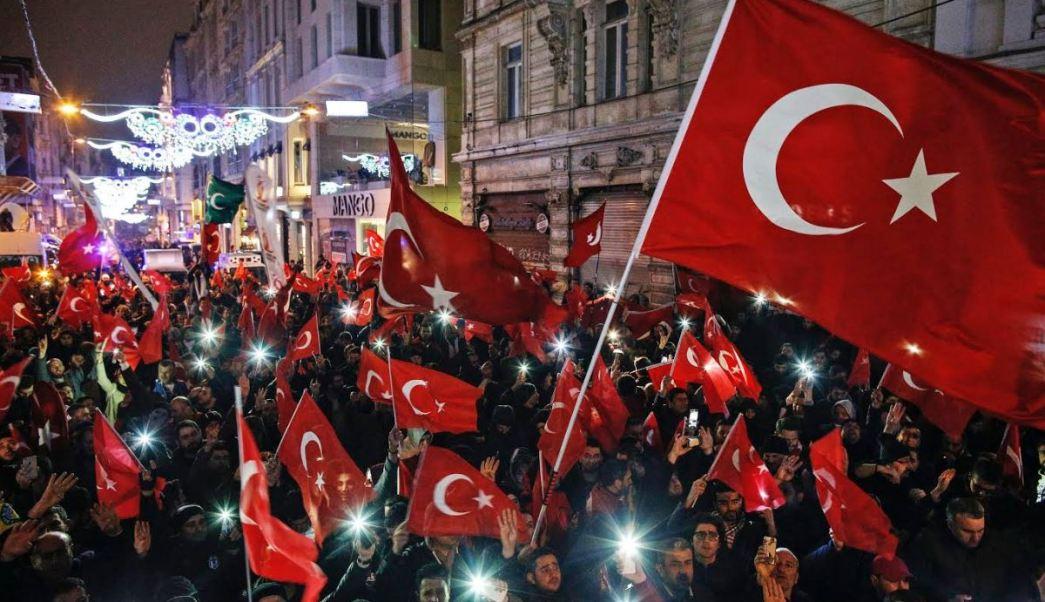 """El primer ministro holandés Mark Rutte describió las palabras de Erdogan como una """"declaración loca"""" (AP)"""