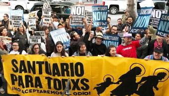 Un centenar de personas pidieron en Los Ángeles, Estados Unidos, la liberación del inmigrante mexicano Rómulo Avelica González.