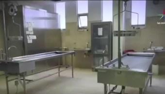El edificio tiene goteras y los especialistas no cuentan con las sustancias que requieren para identificar los miles de cadáveres y restos óseos que han sido localizados en la entidad. (Noticieros Televisa)