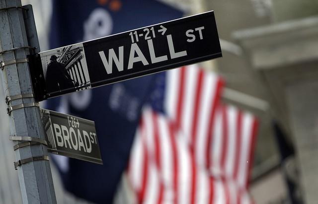 Anuncio de la calle en el corazón financiero de Nueva York. (AP, archivo)