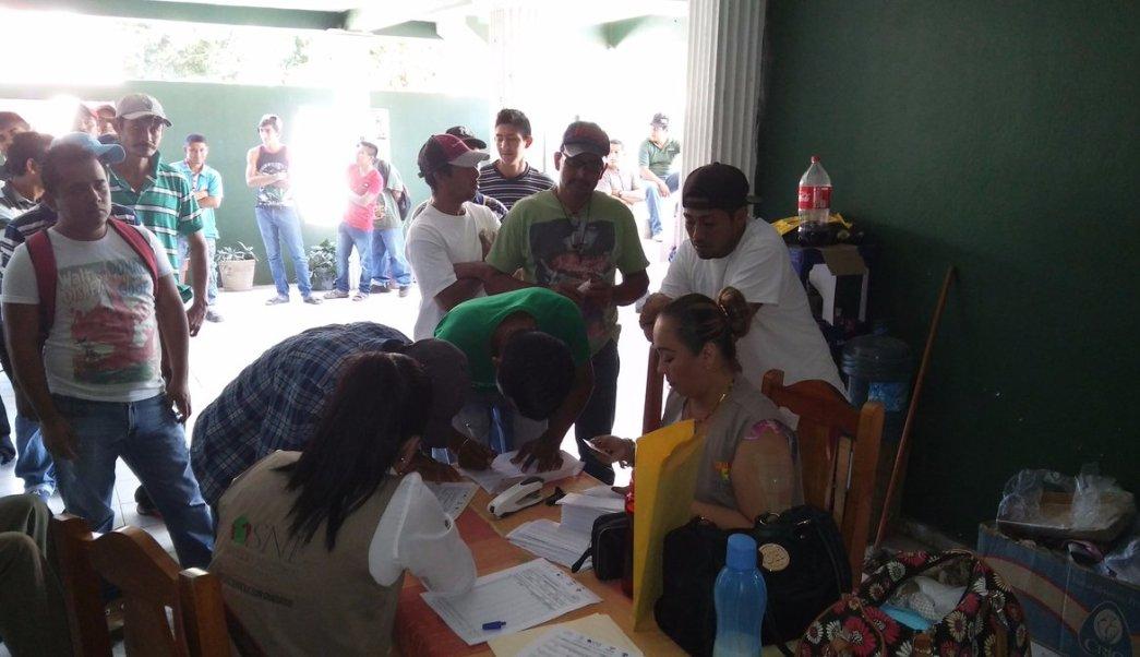 40 jornaleros de Paraíso, Comalcalco y Jalpa de Méndez viajan a Sonora a trabajar. (Twitter @SNE_Tabasco)