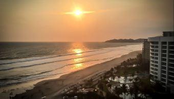 Con importante afluencia turística en playas, condiciones climatológicas envidiables y buen ambiente, es como el puerto despide esta temporada vacacional. (Twitter@SusanaZabaleta )