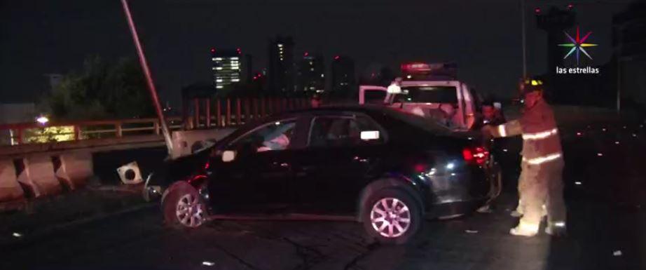 Accidente automovilístico en Río San Joaquín, CDMX. (Noticieros Televisa)
