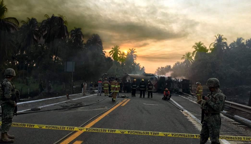Las investigaciones sobre las posibles causas que provocaron el accidente aún no determinan la responsabilidad de los choferes de las unidades involucradas. (EFE)