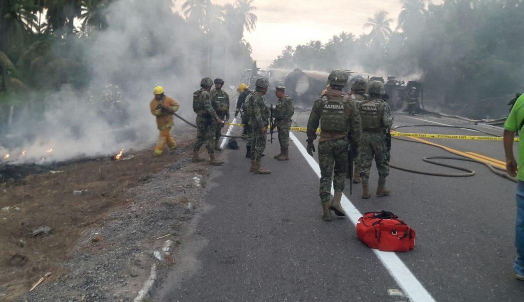 Choque de autobús de pasajeros y pipa deja 20 muertos en la Autopista Siglo XXI. (Noticieros Televisa)