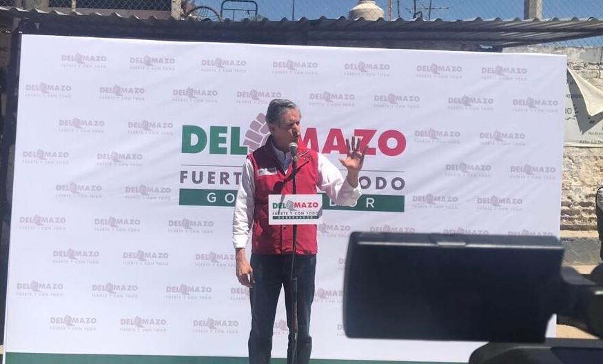 El candidato del PRI a la gubernatura del Estado de México, Alfredo Del Mazo, recorrió calles de la colonia Alfredo V. Bonfil en Naucalpan. (Twitter @alfredodelmazo)