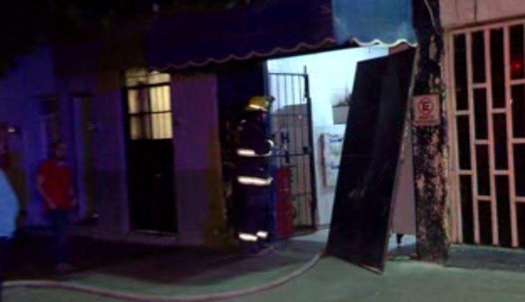 Controlan fuga de amoniaco en fábrica de hielo en Guadalajara, Jalisco. (Noticieros Televisa)