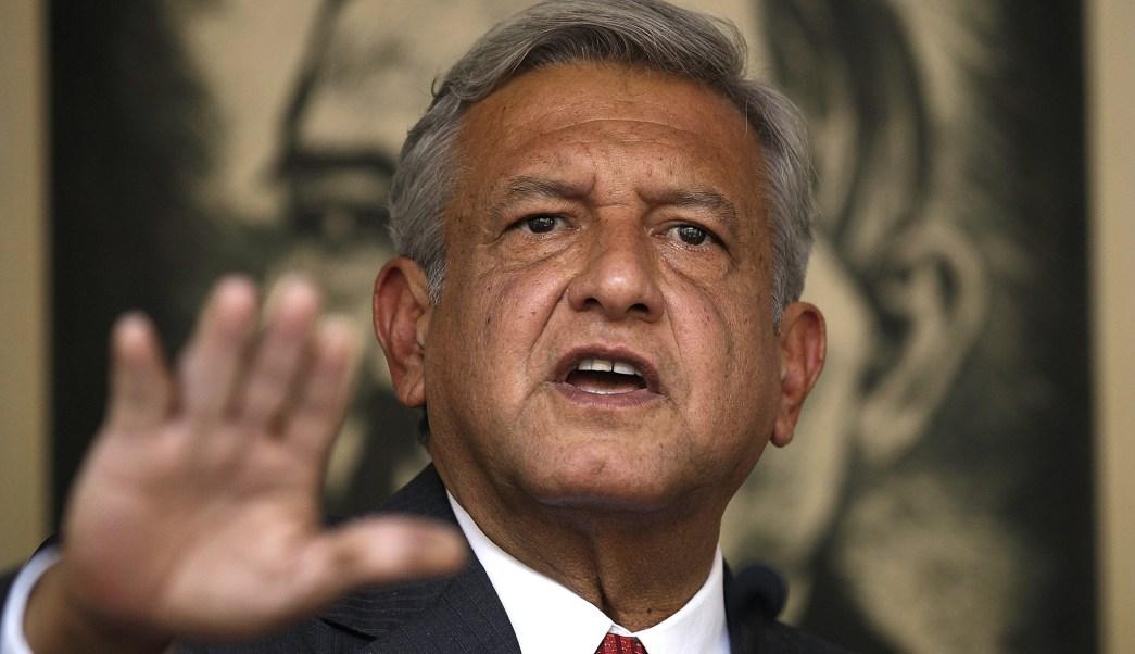 Andrés Manuel López Obrador, líder nacional de Morena, fue deslindado del episodio de entrega de dinero en efectivo. (Notimex/Archivo)