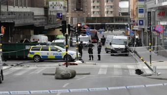 El centro de Estocolmo en las inmediaciones de Ahlens tras el presunto ataque terrorista (AP)