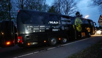 El camión del Borussia Dortmund después del ataque en Alemania