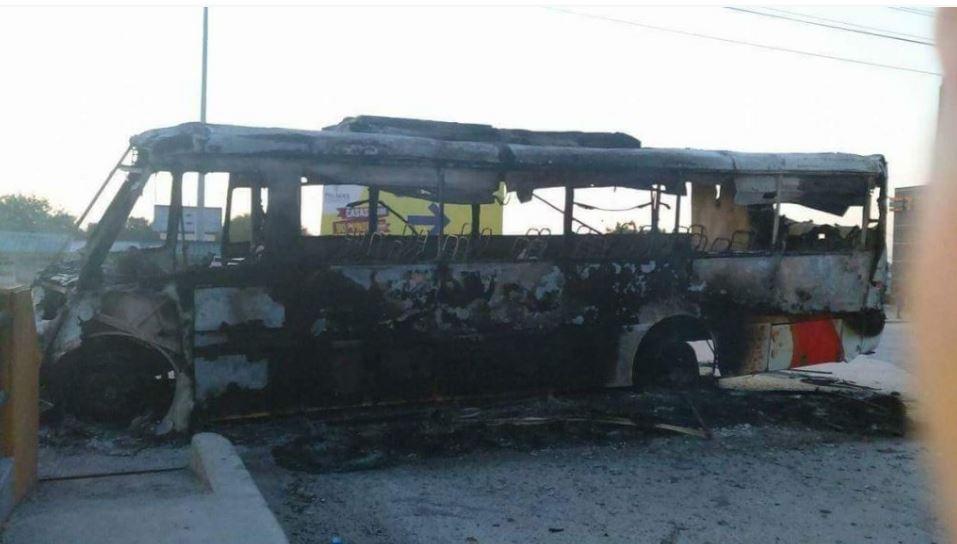 Grupos armados incendiaron camiones en Reynosa, Tamaulipas Twitter @lopezdoriga