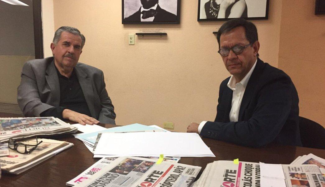 Óscar Cantú Murguía, director del periódico Norte, y Roberto Campa , subsecretario de Derechos Humanos de la Segob. (Twitter: @1campa)