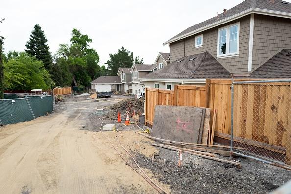Construcción de viviendas en San Francisco, California; mejoran los datos de vivienda en Estados Unidos (Getty Images)