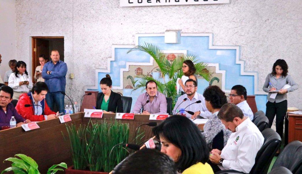 Regidores del Ayuntamiento de Cuernavaca pidieron a Blanco Bravo, en sesión de Cabildo, dejar pleitos políticos. (Twitter: @CuauhtemocBco)
