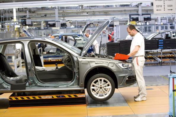 Datos de la AMIA reportan incremento en la producción de autos. (Getty Images)