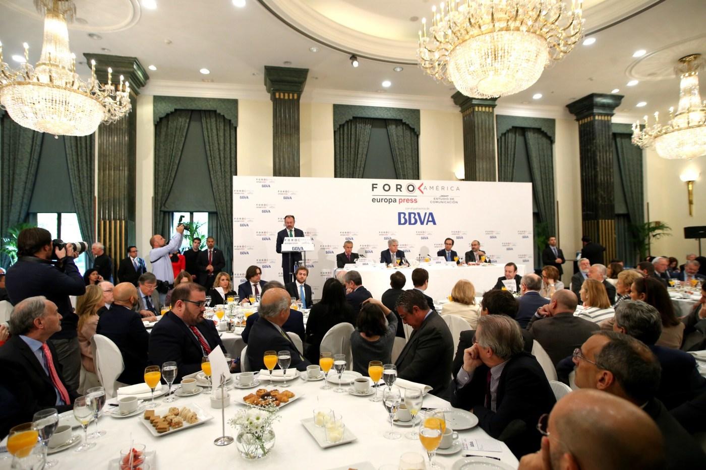 """El Canciller Luis Videgaray en el """"Foro América"""" de Europa Press y BBVA en Madrid . (SRE)"""