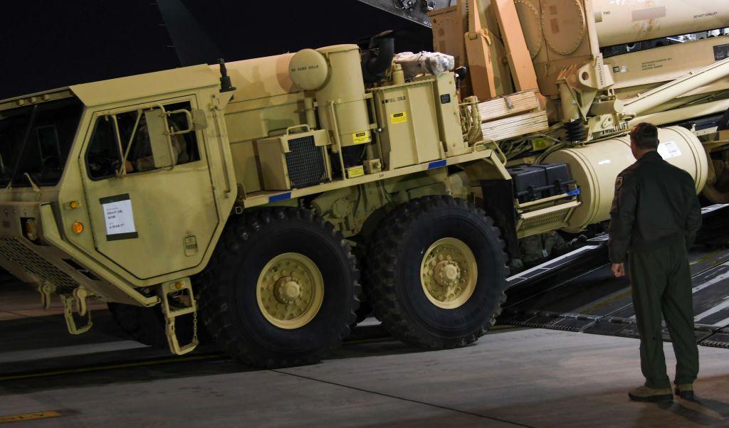 El sistema THAAD sirve para la defensa de misiles de corto y mediano alcance.