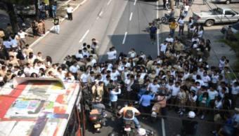 El sujeto que atropelló a los estudiantes se dio a la fuga en su vehículo.