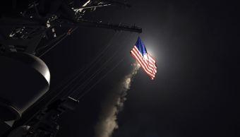 EU lanzó casi 60 misiles contra una base militar en Siria. (AP)