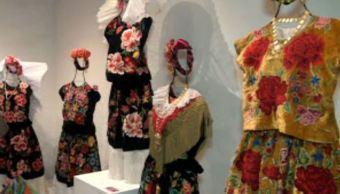 Exposición de trajes de Tehuana en Xalapa (Noticieros Televisa)
