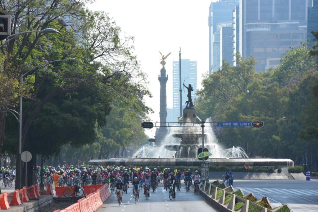 Realizan gran rodada en la CDMX con motivo del bicentenario de la bicicleta