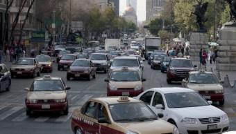 No podrán circular vehículos con holograma uno y dos, con terminación de placas 5 y 6 (Getty Images/Archivo)