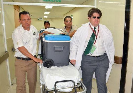 Un hígado y dos riñones procedentes del Hospital General del IMSS de Morelia, llegaron a la Ciudad de México para ser donados a tres pacientes. (IMSS)