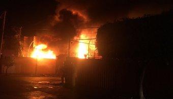 Incendio en inmueble de Cuernavaca, Morelos. (Twitter @CEECA_Morelos)