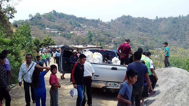 La mayoría de los desplazados perdieron sus pocas pertenencias que dejaron en su comunidad (Twitter/@Sie7edeChiapas)