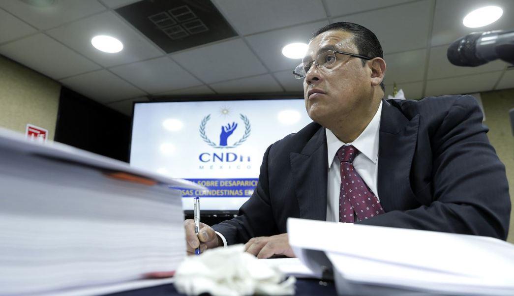 El primer visitador general de la Comisión Nacional de Derechos Humanos de México, Ismael Eslava Pérez, durante la presentación del Informe Especial Sobre Desaparición de Personas y Fosas Clandestinas en México, en un acto realizado en la Ciudad de México. (EFE)