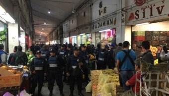 Muere hombre durante asalto en la Central de Abasto, en Iztapalapa. (S. Servín/Noticieros Televisa)