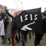 Un grupo de manifestantes sostienen la bandera de ISIS (Getty Images/archivo)