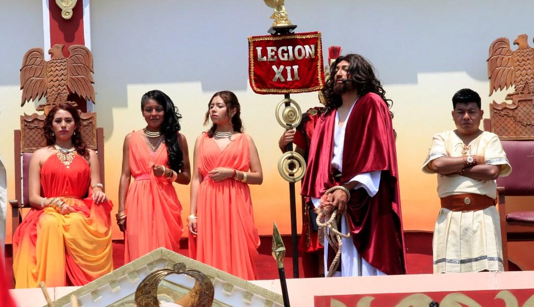 El juicio a Jesús, en la Pasión de Iztapalapa. (Notimex)
