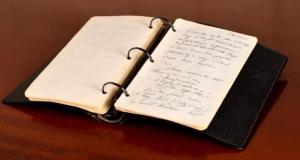 John F. Kennedy escribió el diario en 1945.