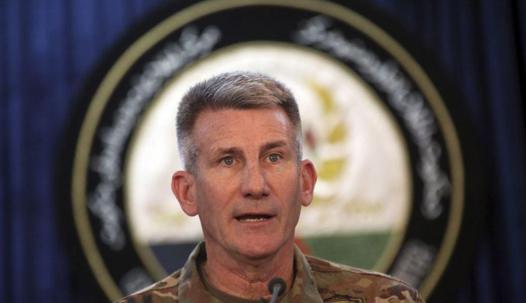 Fotografía del general John W. Nicholson interviene durante una conferencia de prensa en Kabul, Afganistán. (AP)