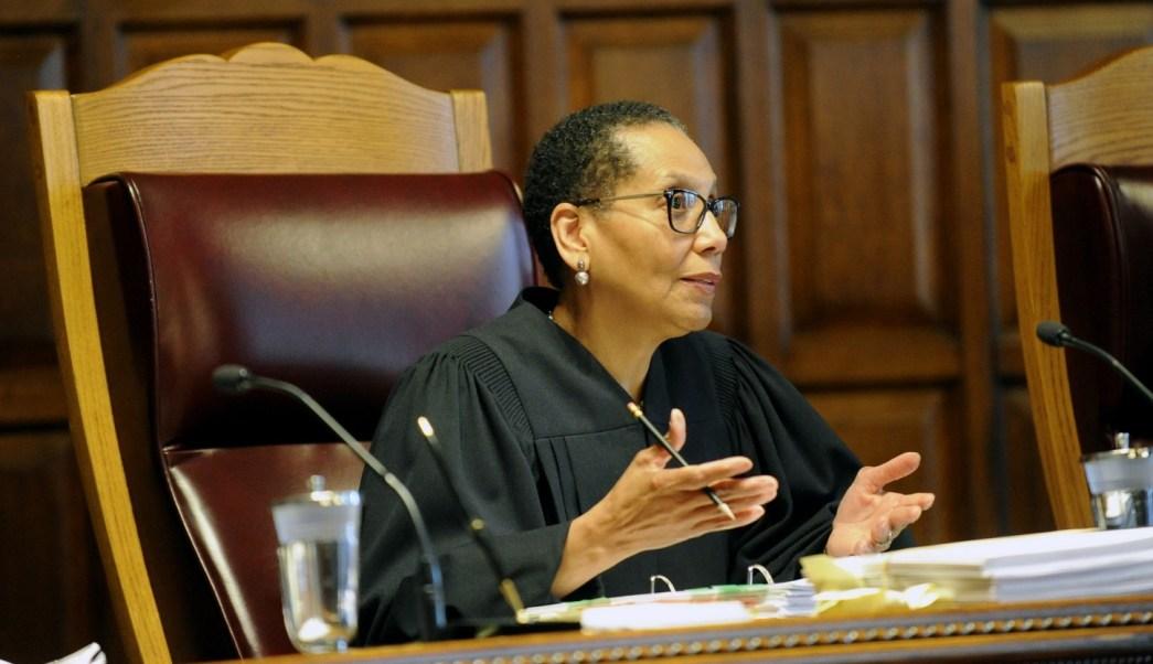 Las autoridades de Nueva York investigan muerte de la primera jueza musulmana de Estados Unidos, Sheila Abdus Salaam, cuyo cuerpo apareció flotando en el río Hudson. (AP, Archivo)