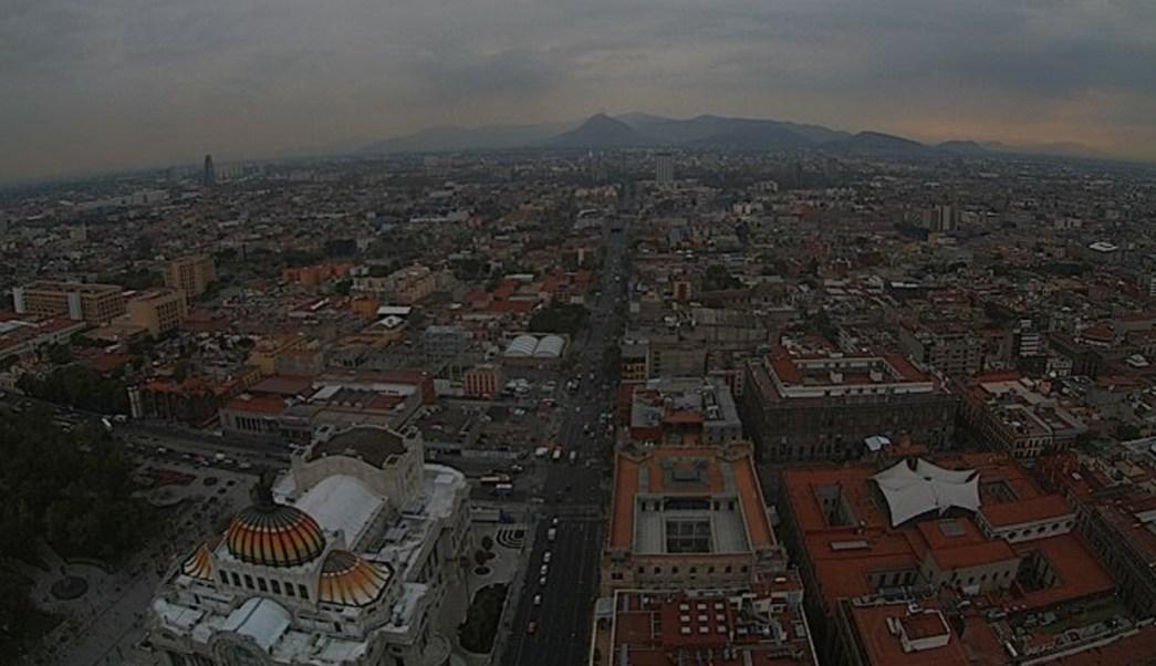 Panorámica de la Ciudad de México; pronostican 22 grados centígrados con tarde lluviosa. (Twitter/@webcamsdemexico)