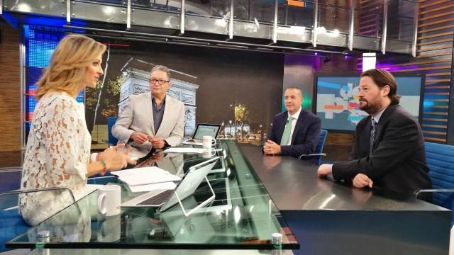 Mauricio Meschoulam y Gabriel Goodliffe en la mesa de Despierta con Loret. (Twitter, @NTelevisa_com)