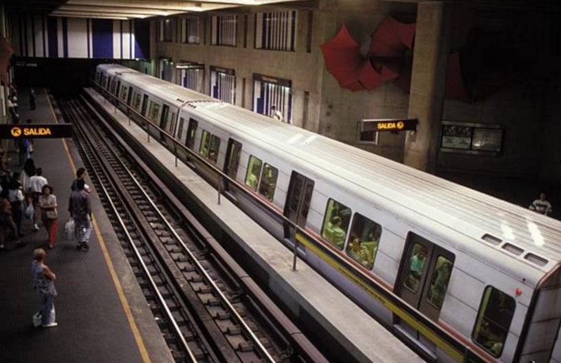 El Metro de Caracas informa el cierre de 18 de sus estaciones subterráneas y 19 de sus rutas terrestres de metrobús (Getty Images/archivo)