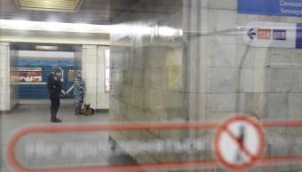 La vigilancia oficial aumentó en el metro de San Petersburgo. (Reuters)