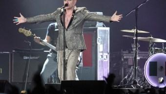 El cantante británico Morrissey se presentó en el Palacio de los Deportes en el marco de su gira World Peace Is None of Your Business (Notimex)